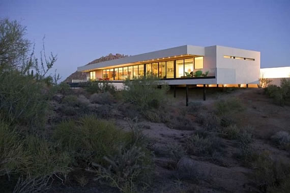 the-bradley-residence-in-the-arizona-desert-1