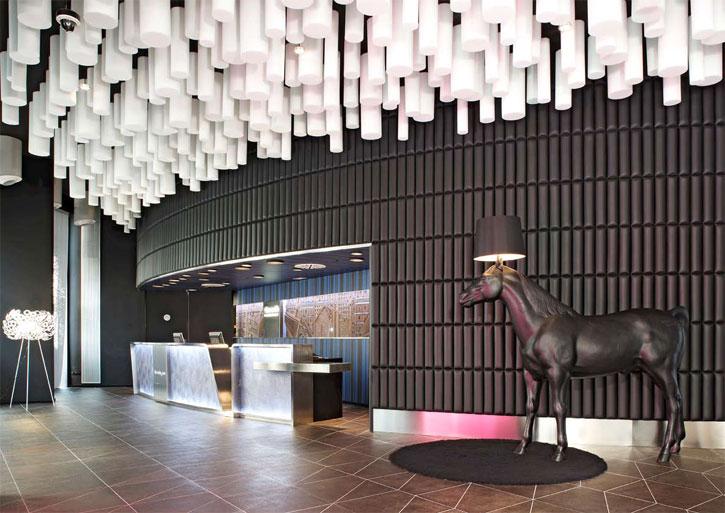 Barcelo raval hotel in barcelona karmatrendz for Design hotel barcelona