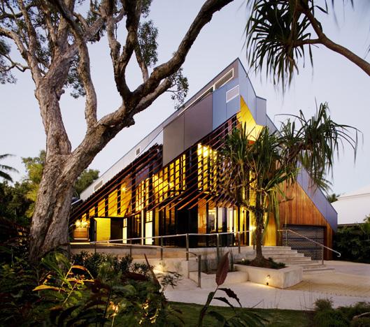 Beautiful Beach House by Charles Wright KARMATRENDZ