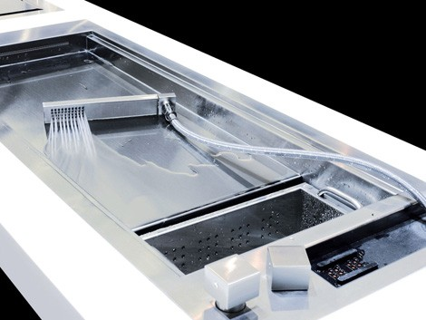 Shallow Stainless Steel Sink : ... smooth, wide expanse of stainless steel that forms the main sink area