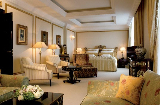 Hotel_Ritz-Carlton_Suite_Moscow_03