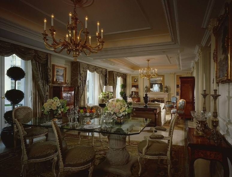 Hotel_Royal_Suite_Four_Seasons_George_V_Paris_01