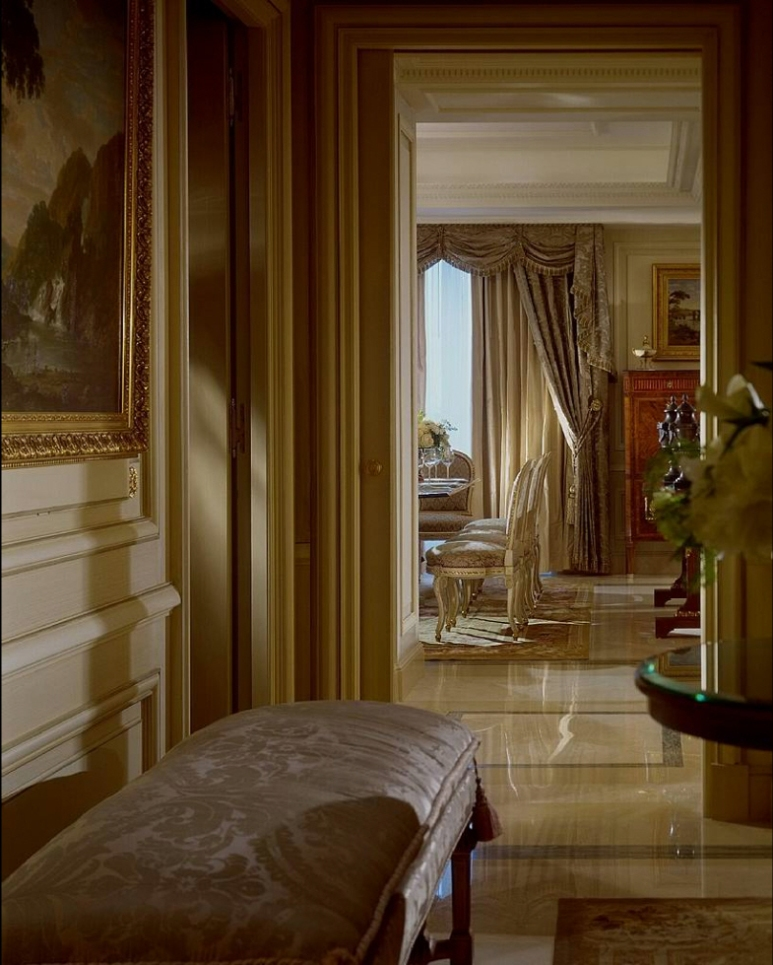 Hotel_Royal_Suite_Four_Seasons_George_V_Paris_04