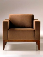 Armchair_Alia_Wood_Lounge_03