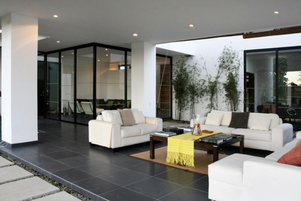 Casa gutierrez by p p arquitectos karmatrendz for Casa interior