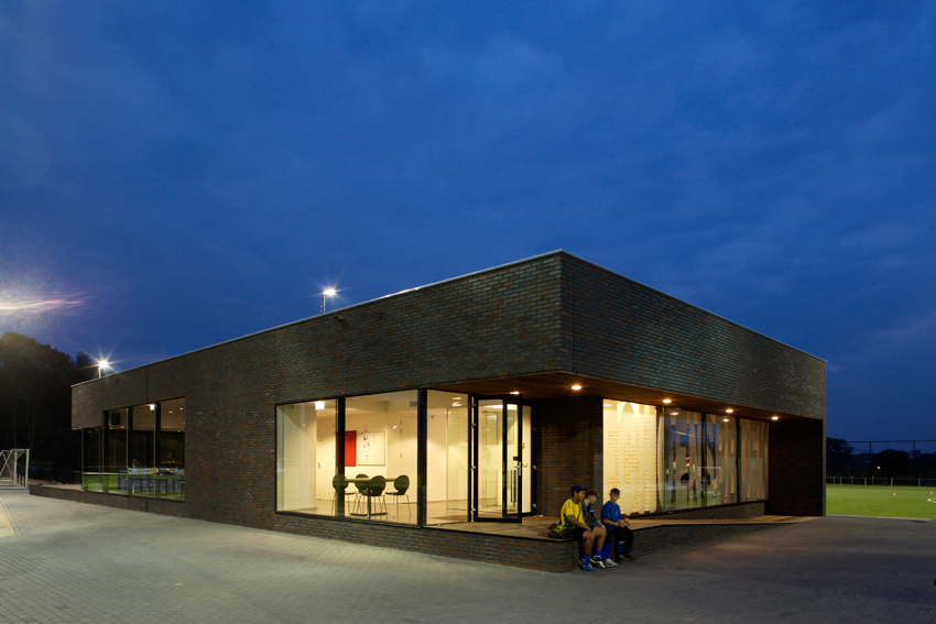 Clubhouse in hoensbroek by moederscheimmoonen architects for Clubhouse architecture design
