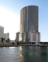 EPIC_Miami_Hotel_&_Residences_01