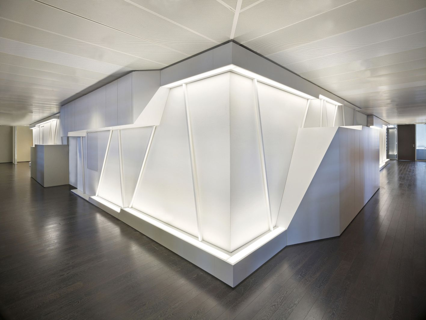 Akbank interior by dagli at lier d architecture for Architecture company