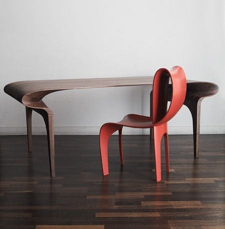 Contour_Table_And_Chair_01