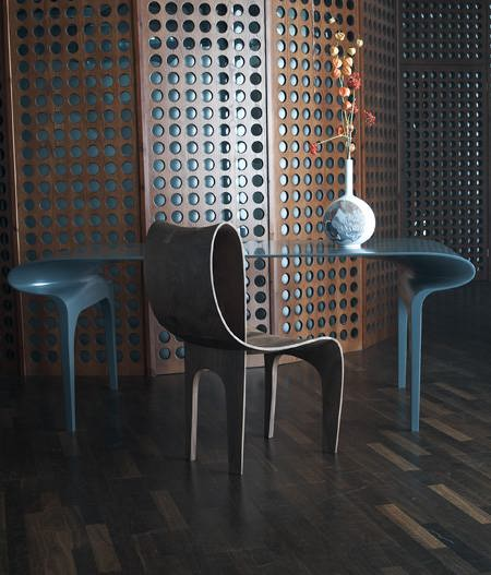 Contour_Table_And_Chair_05