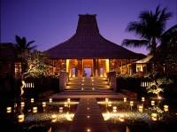 Maya_Ubud_Bali_Lobby_In_The_Evening01