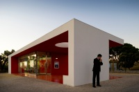 Santander-Totta_University_Bank_Agency_01