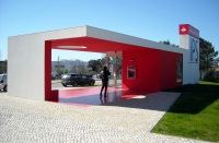 Santander-Totta_University_Bank_Agency_02
