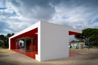 Santander-Totta_University_Bank_Agency_04