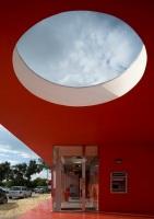 Santander-Totta_University_Bank_Agency_06