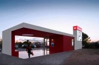 Santander-Totta_University_Bank_Agency_14