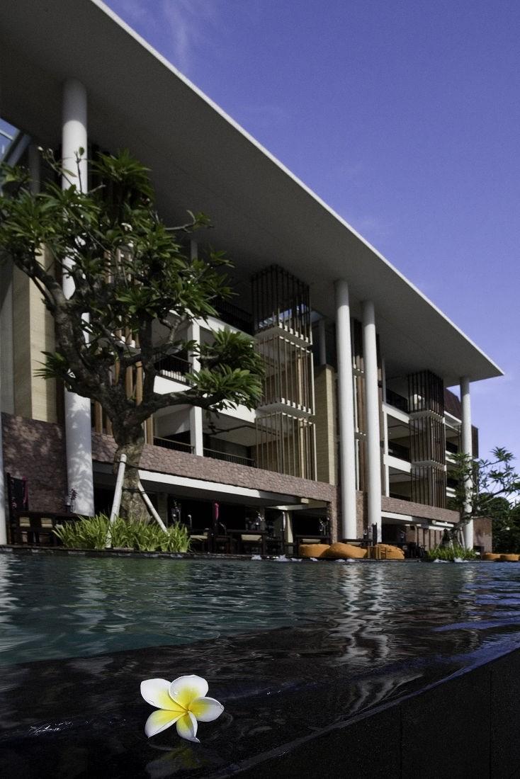 Anantara resort seminyak bali karmatrendz for Bali accommodation seminyak