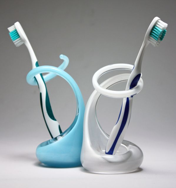 Glass toothbrush holders by brad turner karmatrendz for Black glass bathroom accessories