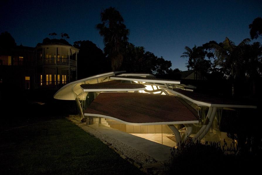 Groovy Leaf House By Undercurrent Architects Karmatrendz Download Free Architecture Designs Scobabritishbridgeorg