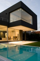 The_Black_House_03