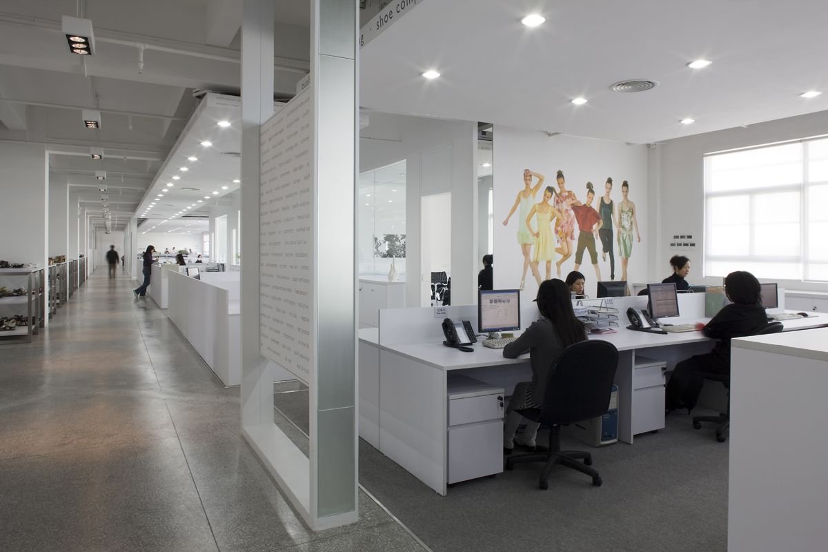 Topline office interior by head architecture and design for Office design reddit