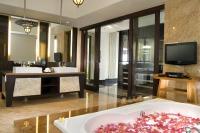 BanyanTree_Ungasan_Bali_008_Guest_Bathroom