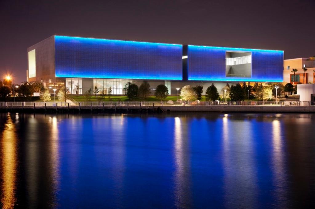 Tampa_Museum_of_Art_02