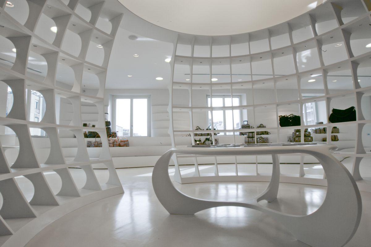 The alv showroom by fabio novembre karmatrendz for Modern showroom exterior design