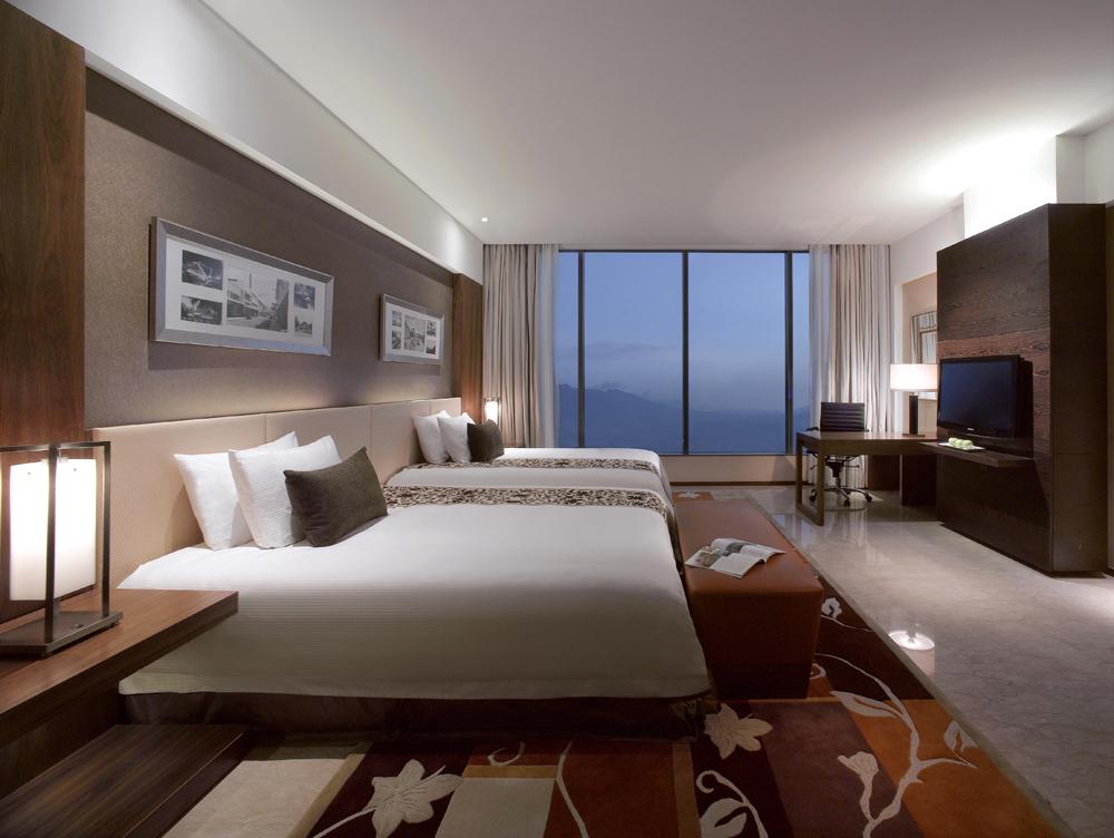 Five Star Flagstaff Hotels