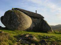 Stone_House_Portugal_04_r