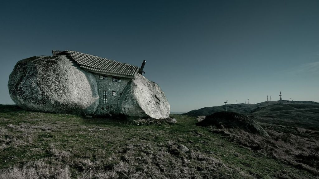 Stone_House_Portugal_05_r