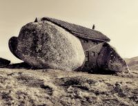 Stone_House_Portugal_09_r