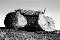 Stone_House_Portugal_11_r