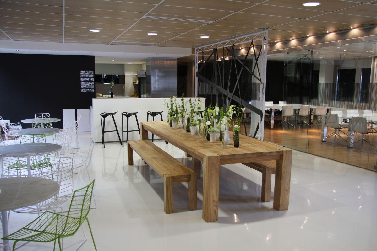 Union Swiss Office Interior By Inhouse Brand Architects Karmatrendz