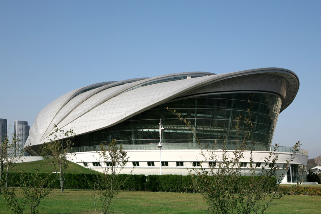 Dalian shell museum by the design institute of civil for What type of engineer designs buildings