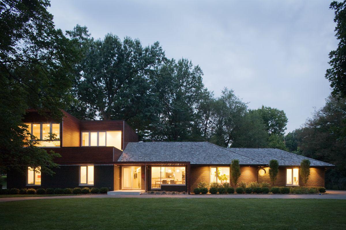 modern ranch home - 1080×720