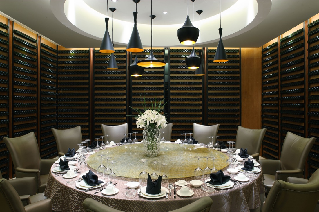 Yuwan restaurant by nota design architects engineers