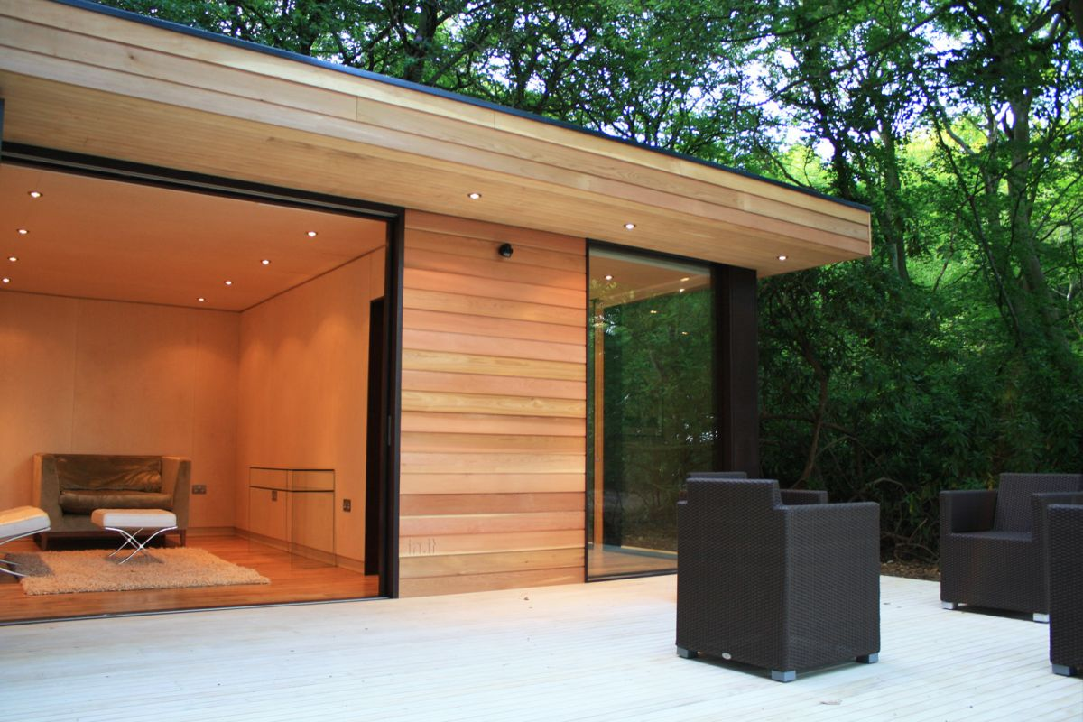 Contemporary garden studios by studios karmatrendz for The garden studio