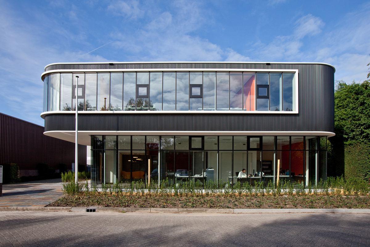 Verkerk Group Office Building by EGM Architects | KARMATRENDZ
