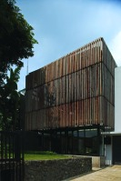 Wood_Box_House_02