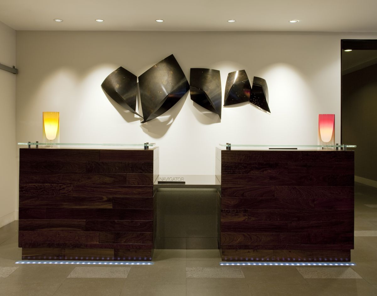 Baronette renaissance hotel lobby by d ash design for Hotel wall design
