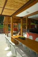 Forest_House_In_Horizonte_02