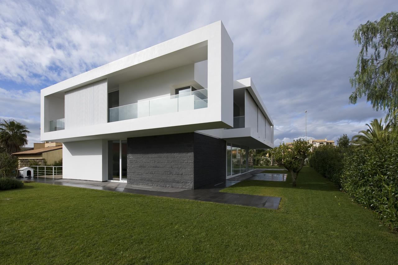 Villa pm by architrend architecture karmatrendz for Architettura casa moderna