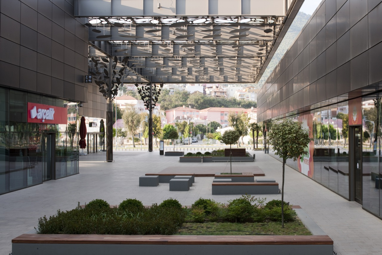 Asmacati Shopping Center By Tabanlioglu Architects