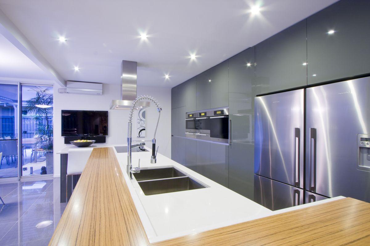Closed Kitchen Design Small