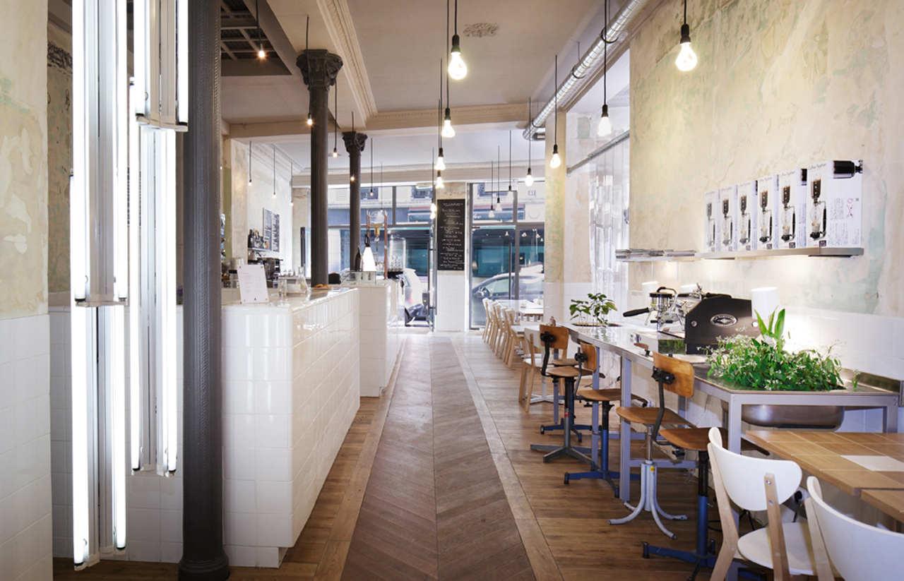 Coutume café 47 rue de babylone by cut architectures karmatrendz