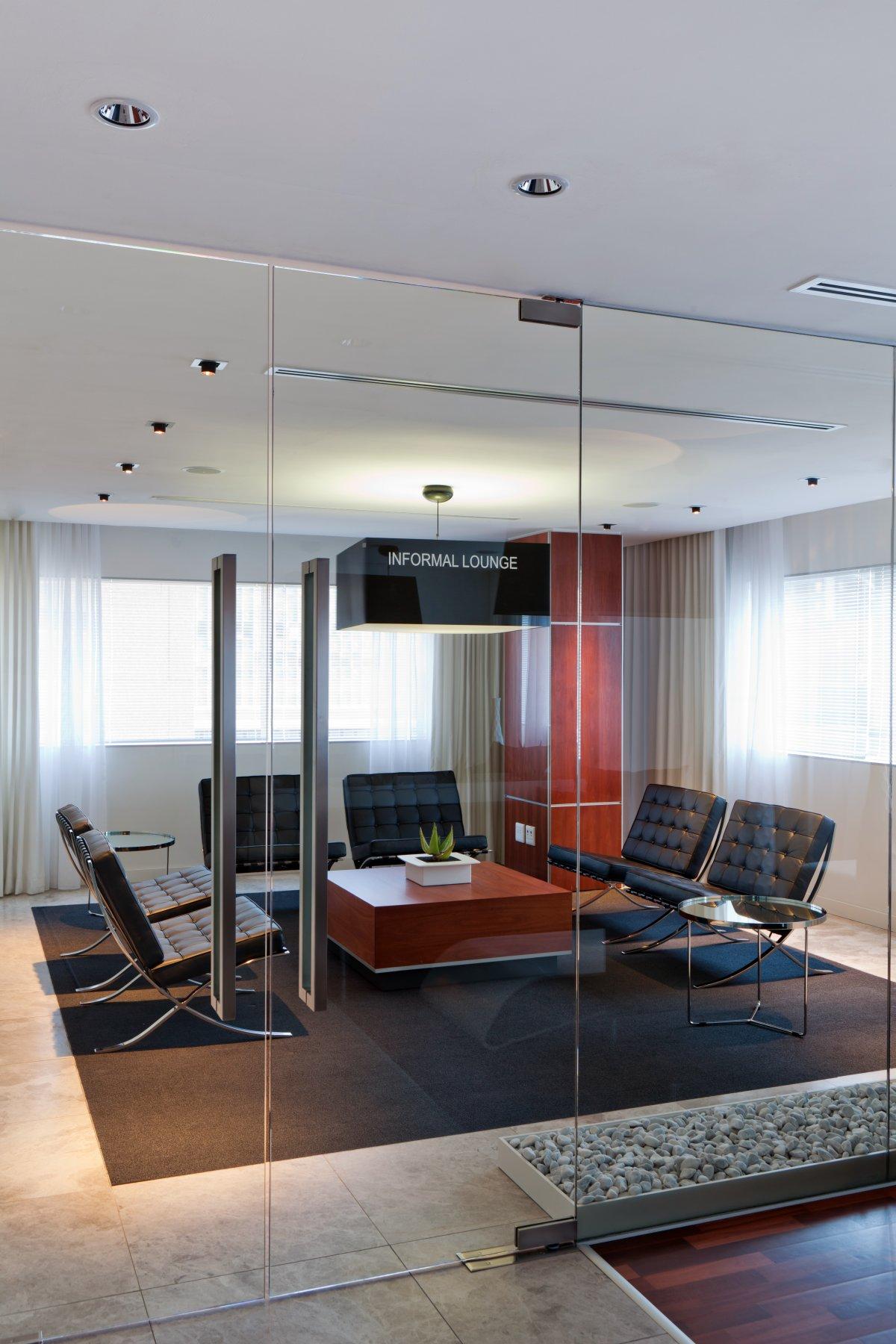 Deneys reitz office interior by collaboration karmatrendz for Top office interior design firms
