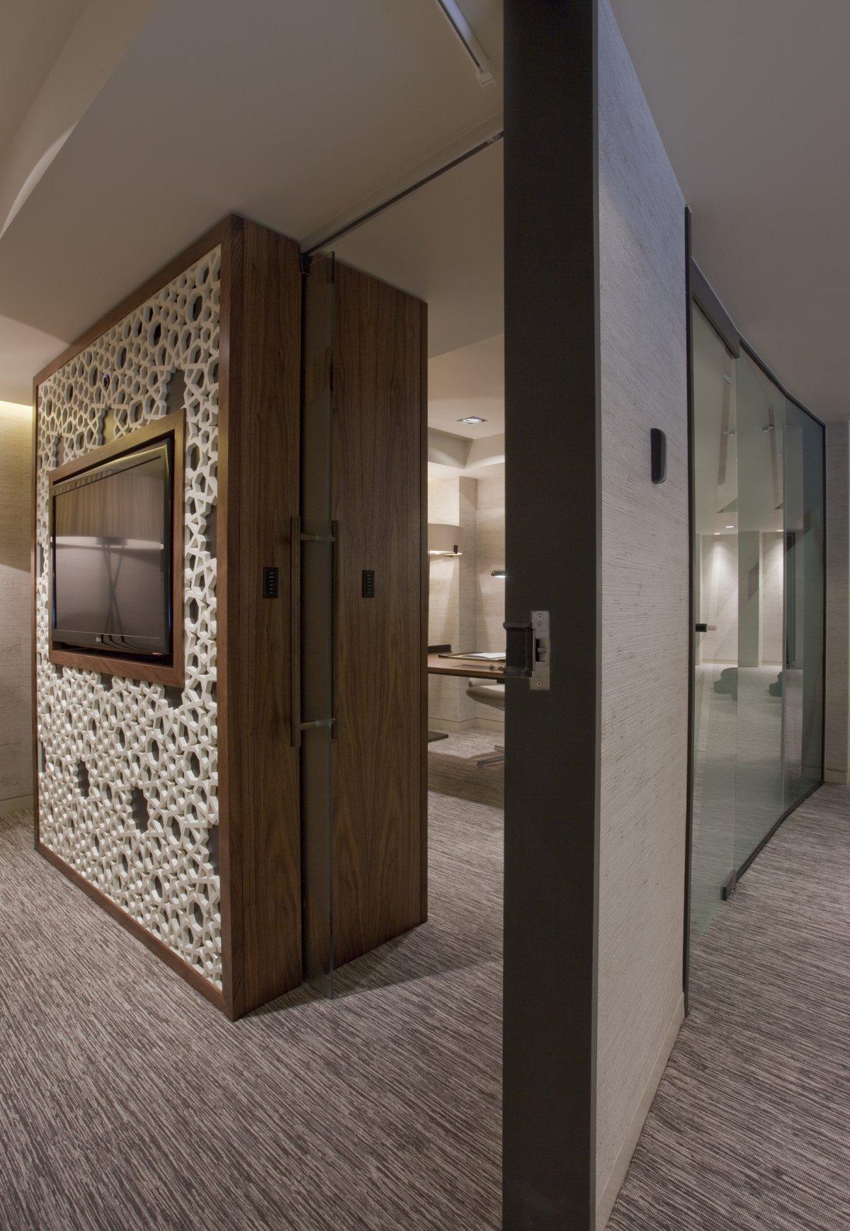 Art Line Qatar : Rizon jet lounge by shh karmatrendz