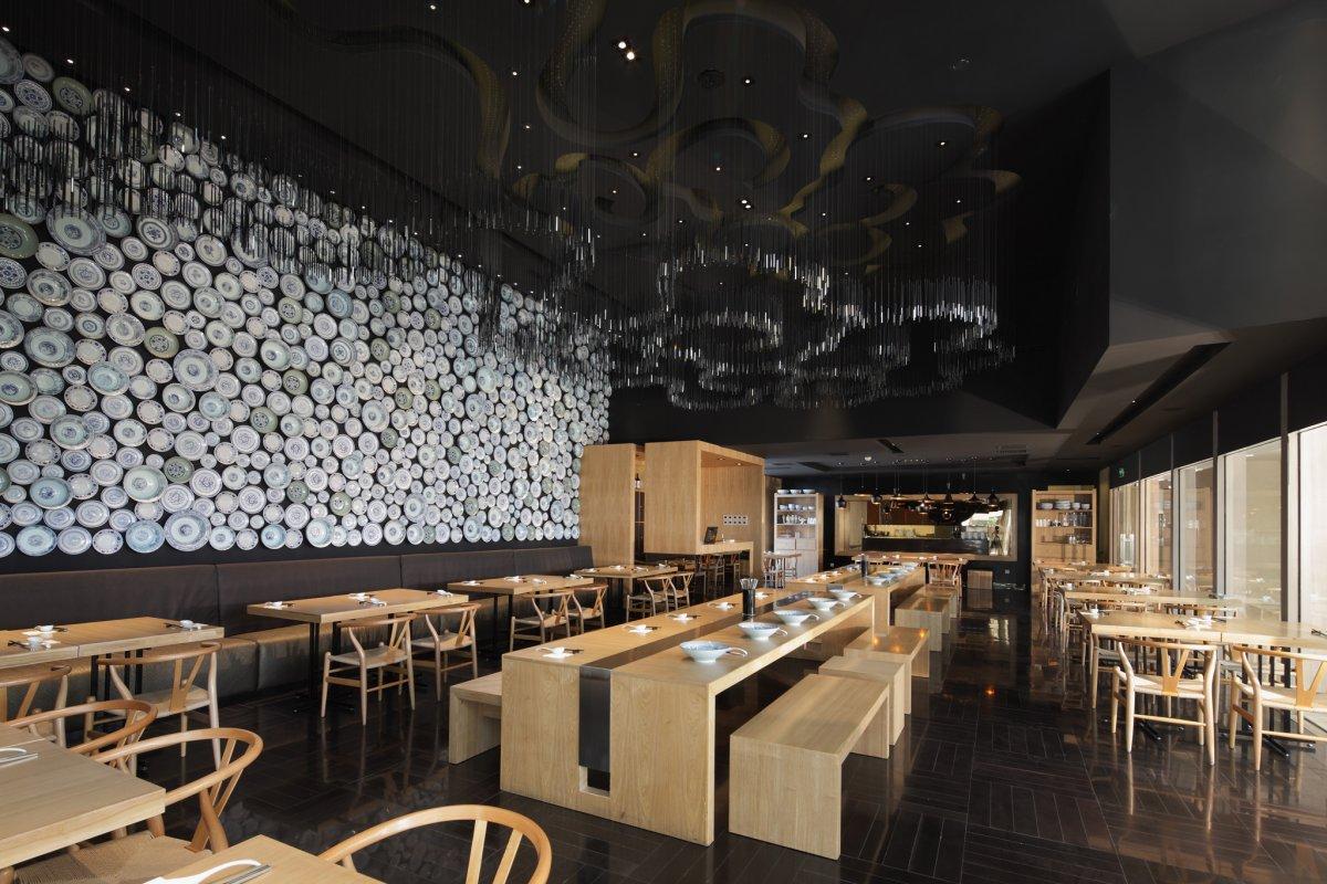 Taiwan Noodle House by Golucci International Design | KARMATRENDZ