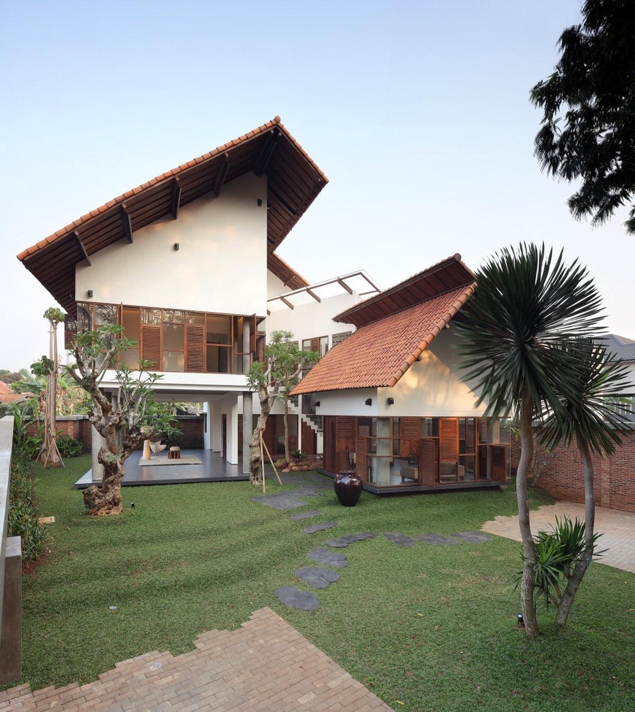 Distort House by WS & Partners KMNDZ - ^